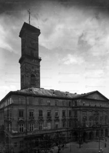 ploscha-rynok-lviv-museum-01