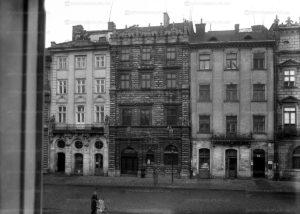 ploscha-rynok-lviv-museum-04