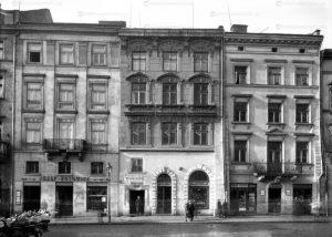ploscha-rynok-lviv-museum-05
