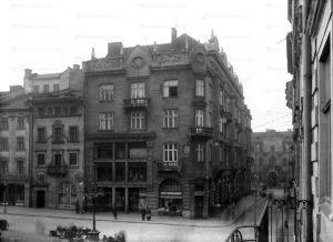 ploscha-rynok-lviv-museum-06