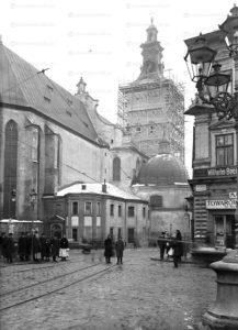 ploscha-rynok-lviv-museum-07
